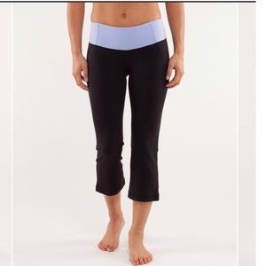 Lululemon Gather & Crow cropped split hem yoga
